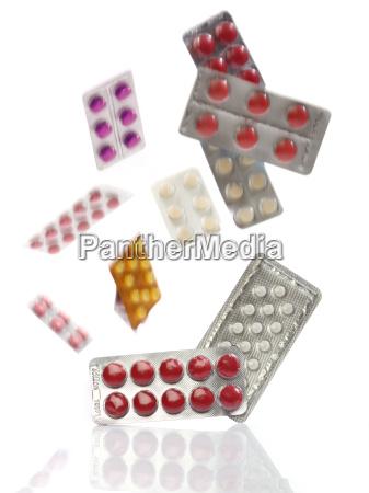 fallen medizin pillen blisterpackungen