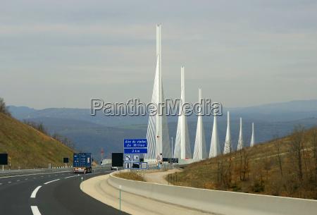 aire du millau viaduct