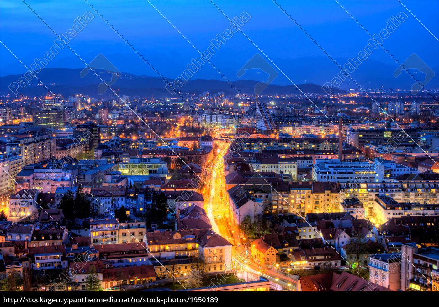Frohe Weihnachten Slowenisch.Stockfoto 1950189 Slowenisch Hauptstadt Ljubljana