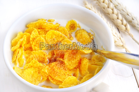 cornflakes with milk and brown sugar