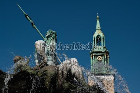 neptune fountain and st marys church