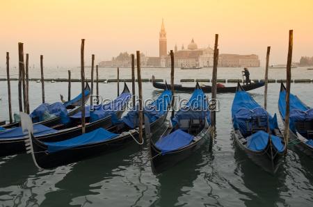 gondola in front of san giorgio
