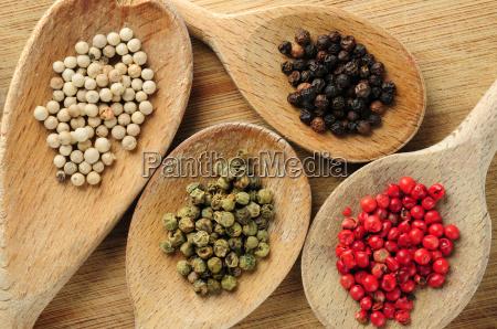 granos de pimienta clasificados