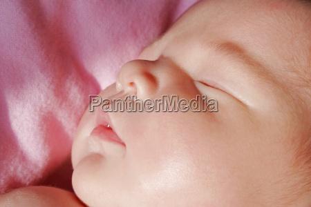 das gesicht eines schlafenden babys