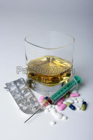 suchmittel tabletten alkohol spritze