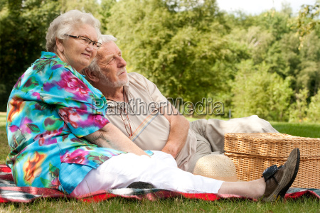 elderly couple enjoying the spring
