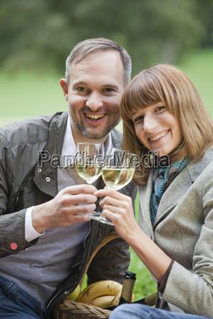 romantic couple drinks champagne