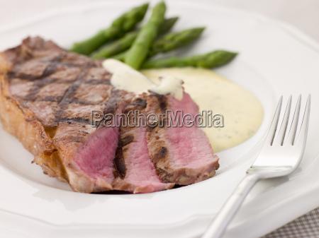 steak bearnaise mit spargel stangen