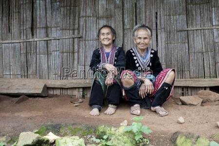 alte frauen in asien volksgruppe meo