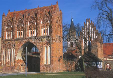 stargarder gate in neubrandenburg