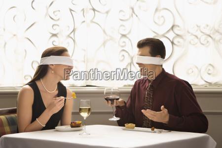 paare die auf blind date