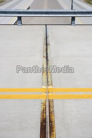 strassendetail mit linien