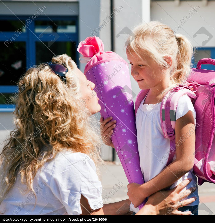 Erster Schultag – Mutter und Kind - Stock Photo - #2649506 ...