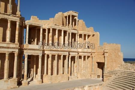 roemisches theater in sabratha libyen