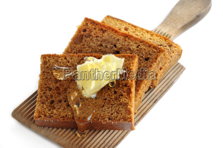 honey cake with butter