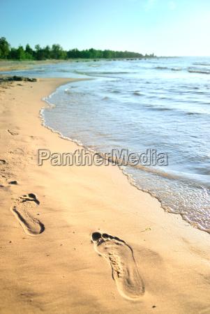 fuesse in den sand