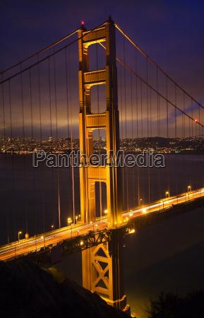 golden gate bridge nacht vertikal san