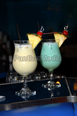 dame spione tief weiss cocktail longdrink
