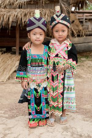 maedchen von laos volksgruppe hmong