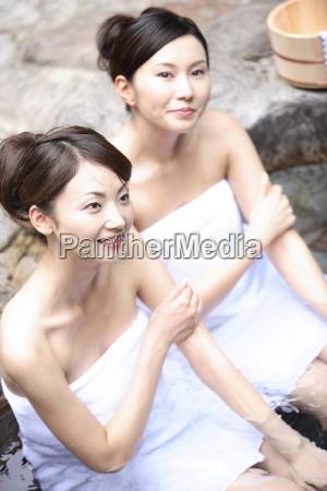 japanische frauen in einem open air
