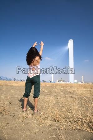 frau turm industrie spanien energie strom