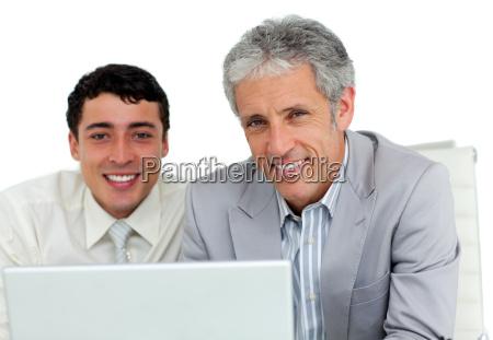 buero laptop notebook computer lachen lacht