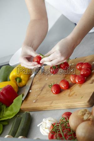 zubereitung von sugo fuer spaghetti bolognese