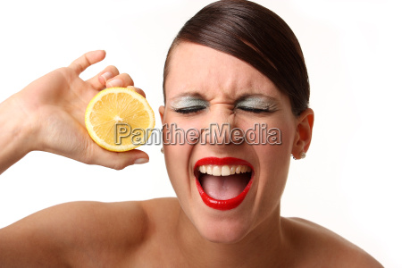 sauer macht lustig mit zitrone