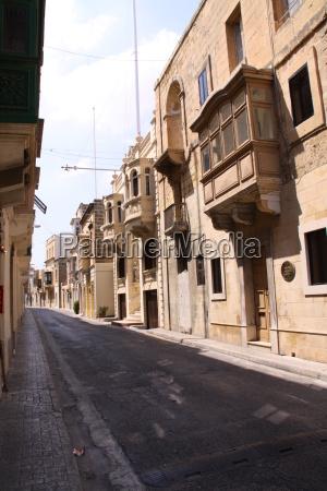 strasse in der altstadt von malta