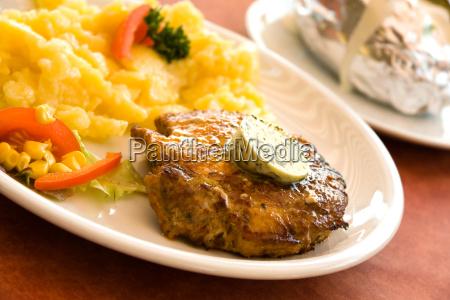 steak vom schwein kartoffelsalat