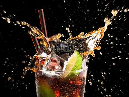eiswürfel, und, kalk, droped, in, cola-glas - 3308393
