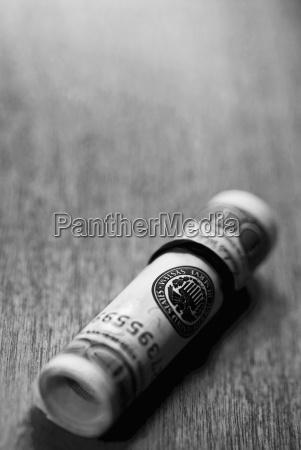 stilleben dollar dollars brot brotlaib abmachung