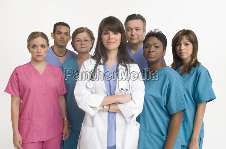 gruppenbild der arzt und krankenschwestern