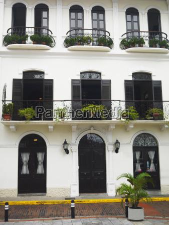facade of a building old panama