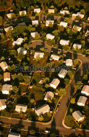 luftaufnahme der kleinen stadt dale city
