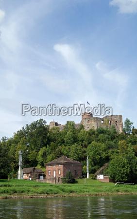 rovine del castello polle weser