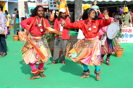 indian festival dancers