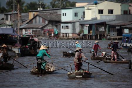 markt auf dem mekong in vietnam