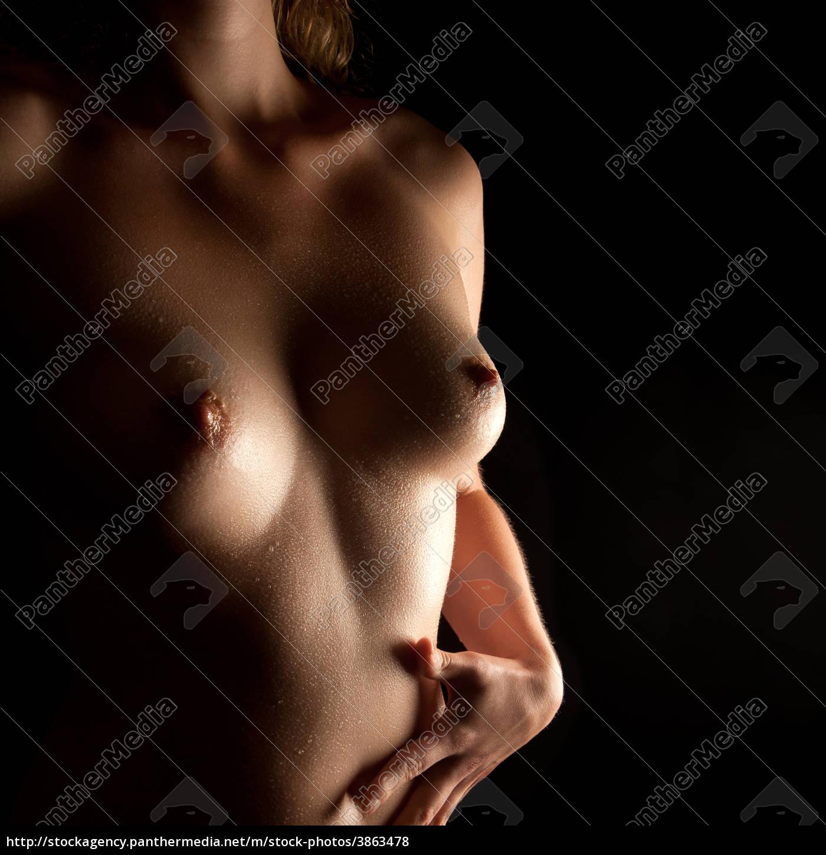 nasse brüste