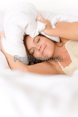 schlafzimmer faul frau blockiert ohren