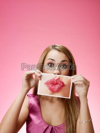 donna invio bacio grande