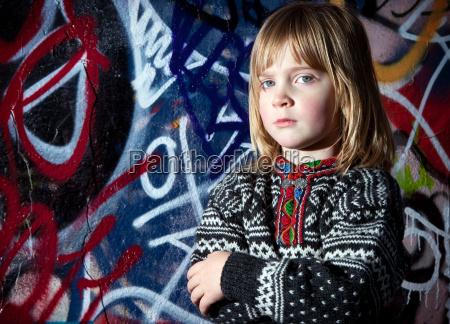 graffiti kind kuehle strassenkunst