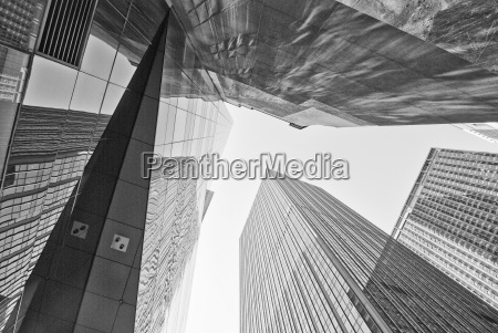 giant skyscrapers new york city