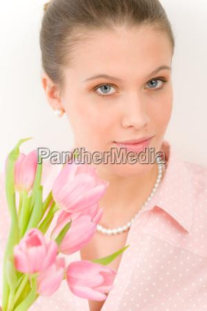 mode junge romantische frau mit fruehlings