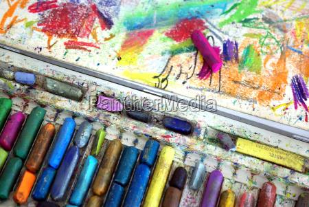 farben farbkasten wachsmalstifte malstifte stifte malkreide