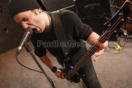 schreien bassisten