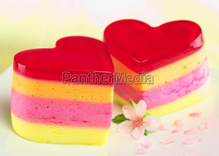 heart shaped kuchen namens torta helada