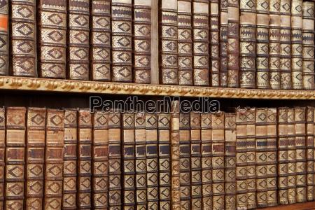 antiguos libros antiguos