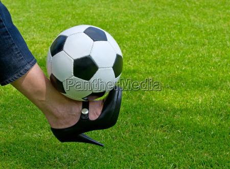 frau und fussball soccer for