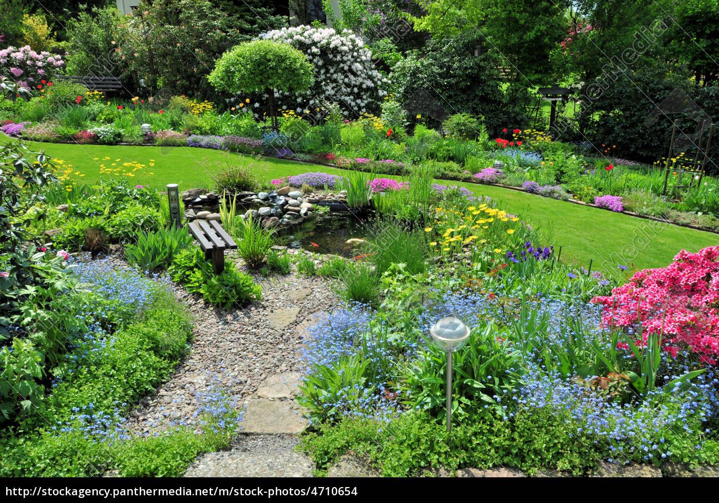Stockfoto 4710654 - Garten mit Teich und Bank